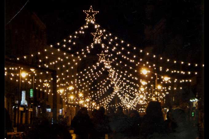 Aquino gli amici della citt inaugurano le luminarie for Negozi arredamento salerno