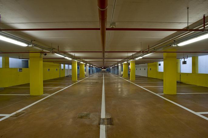 Isola del liri parcheggio piazza ss triade il comune - Garage interrato ...